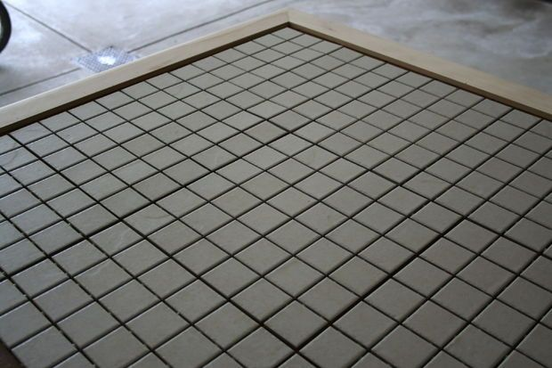 Как реставрировать столовый гарнитур с помощью плитки