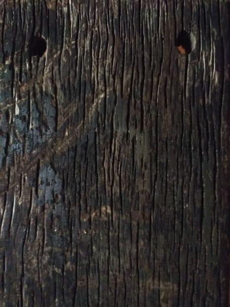 Табурет из медной трубы и старой доски