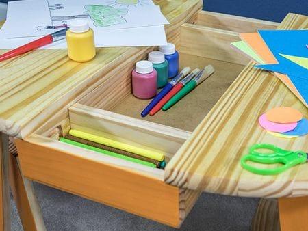 Как сделать детский столик для творчества