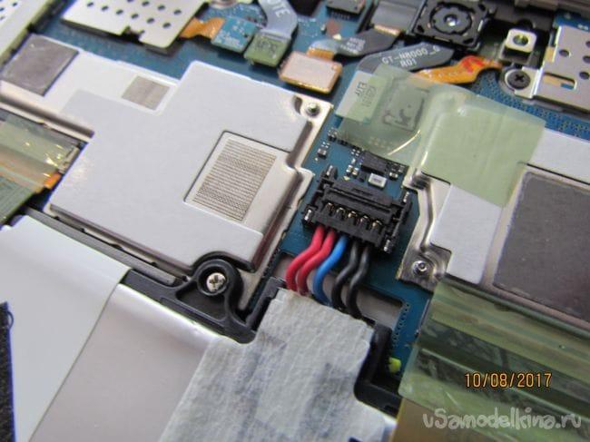 Замена  батареи на планшете  SAMSUNG Galaxy TAB 10.1