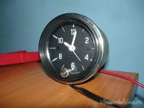 Вольтметр на LM3914 из часов от ваз 2106