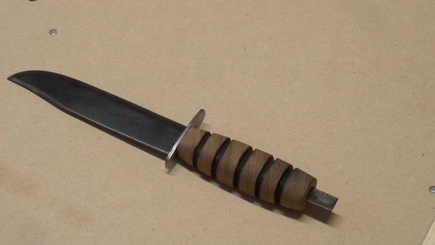 Крепкий нож выживания из пильного диска