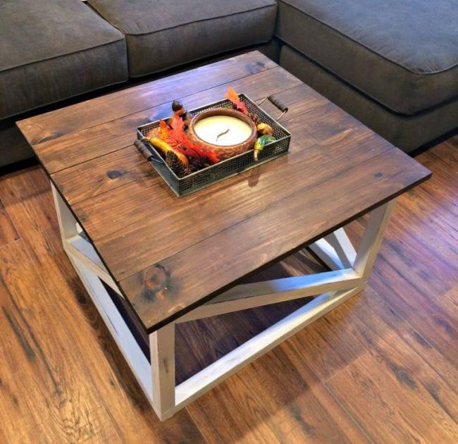 Кофейный столик из натурального дерева