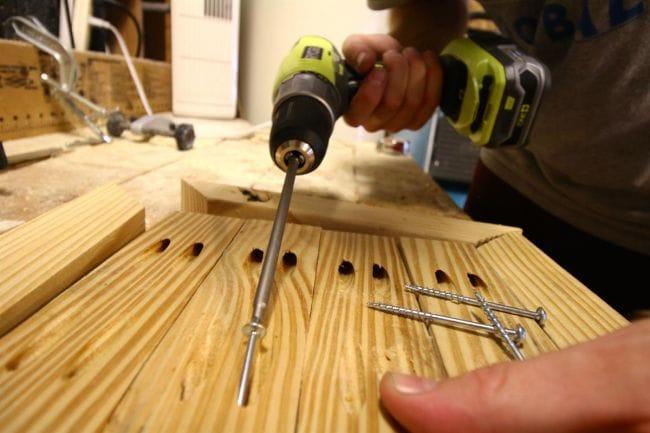 Как собственноручно сделать прочный массивный табурет