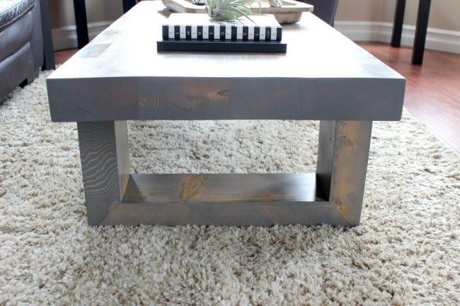 Столик в стиле модерн