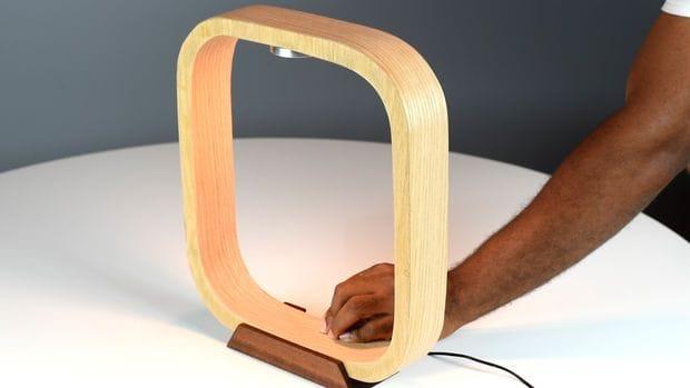 Настольная лампа из дерева