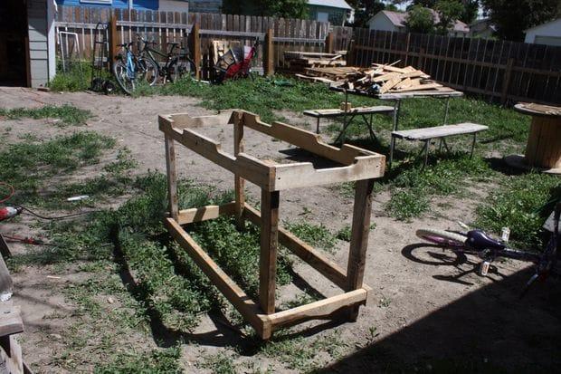 Рабочий садовый стол своими руками