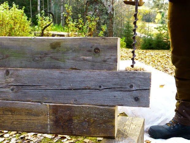 Что сделать из старых балок? Например, вот такую скамью...