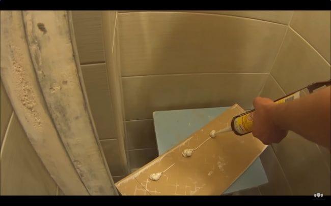 Монтаж потайного люка в ванной комнате