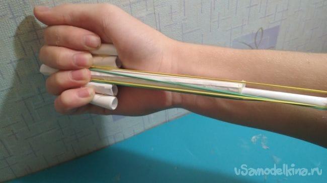 Как сделать простой подручный пистолет из бумаги для «офисных войн»!