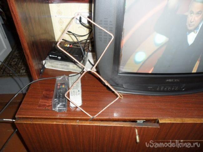 Простая, но эффективная комнатная антенна для приема цифрового телевидения
