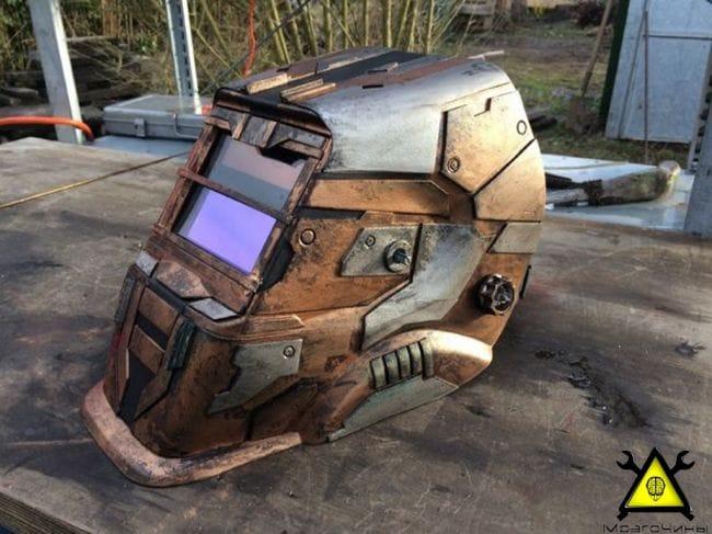 Шлем Айзека Кларка из вселенной «Dead Space»