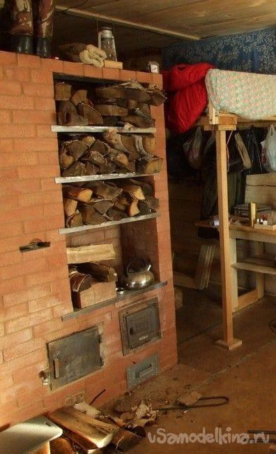 Простая пристройка к дому – дровник