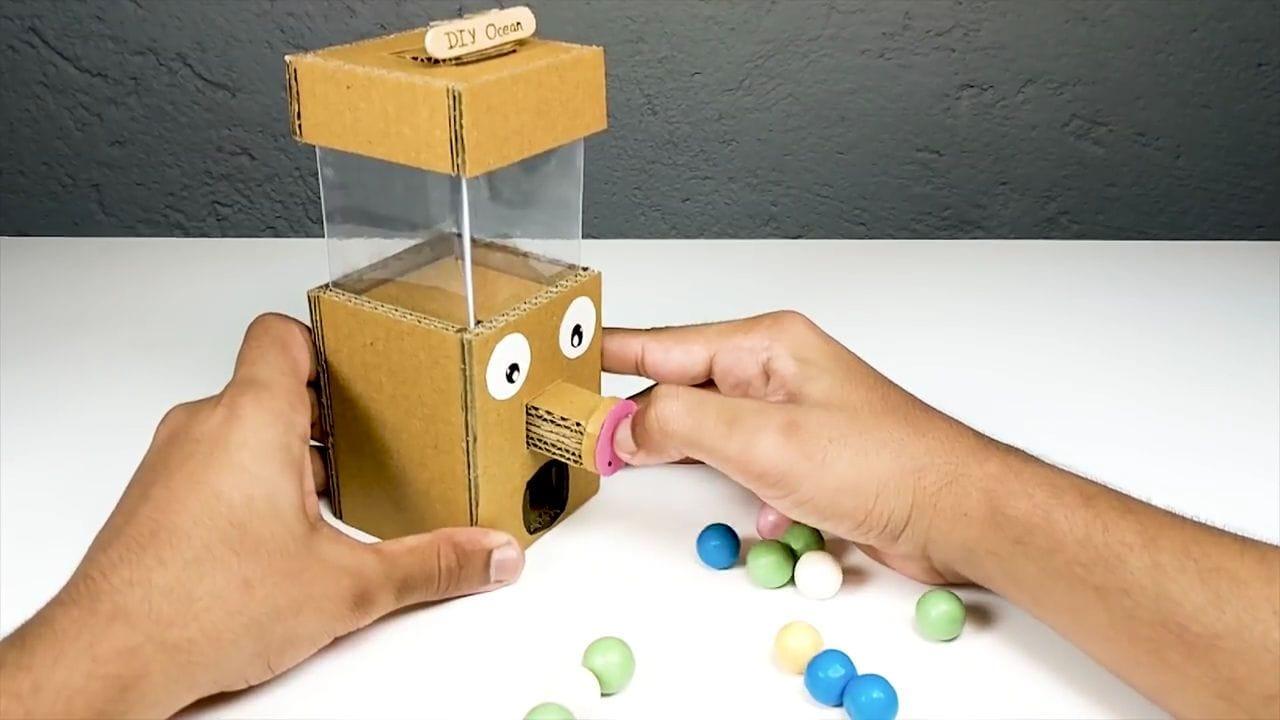 как сделать игровой автомат из картона видео