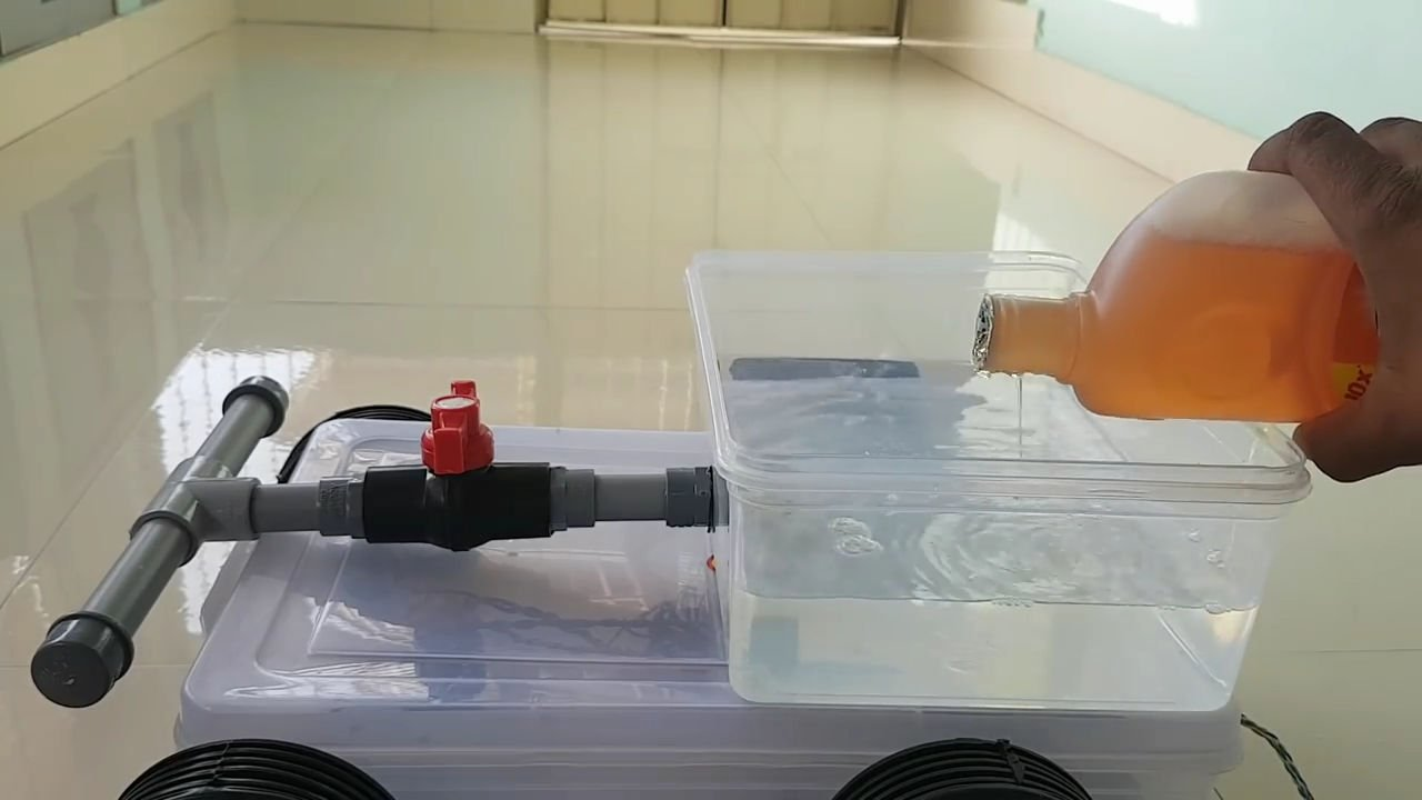 Как сделать «робота» уборщика своими руками