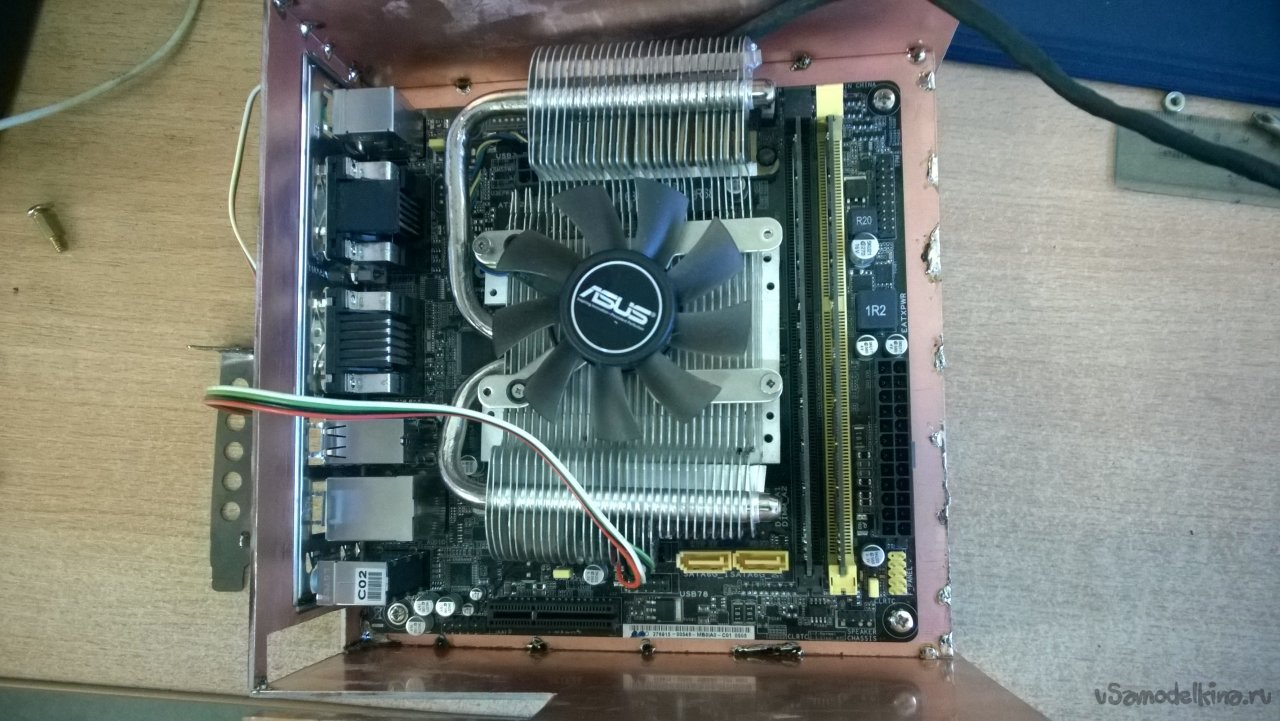 A full-fledged computer on Win.10 with a 9 inch 2 din monitor instead of a radio tape recorder!