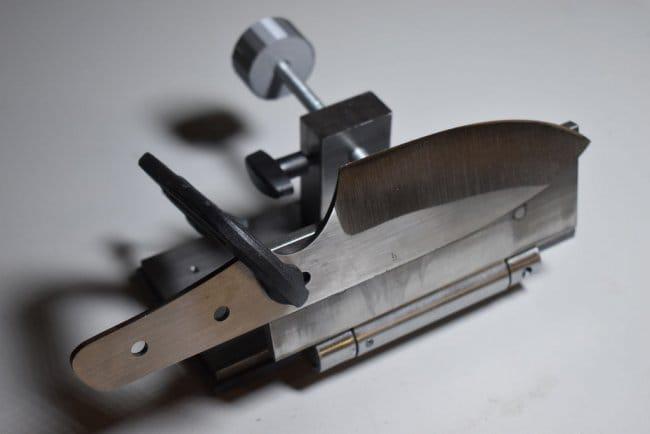 Приспособление для заточки ножей на гриндере