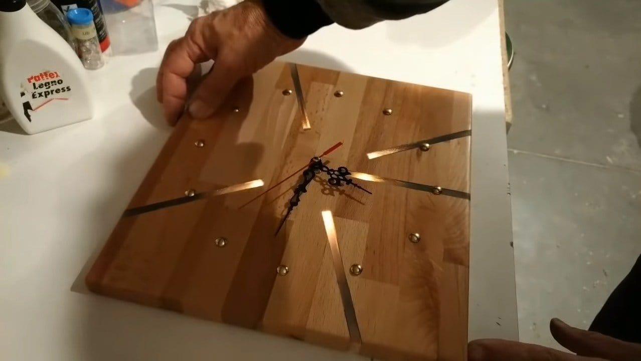 Часы с подсветкой своими руками