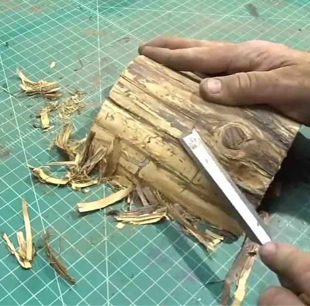 Шкатулка из ствола дерева