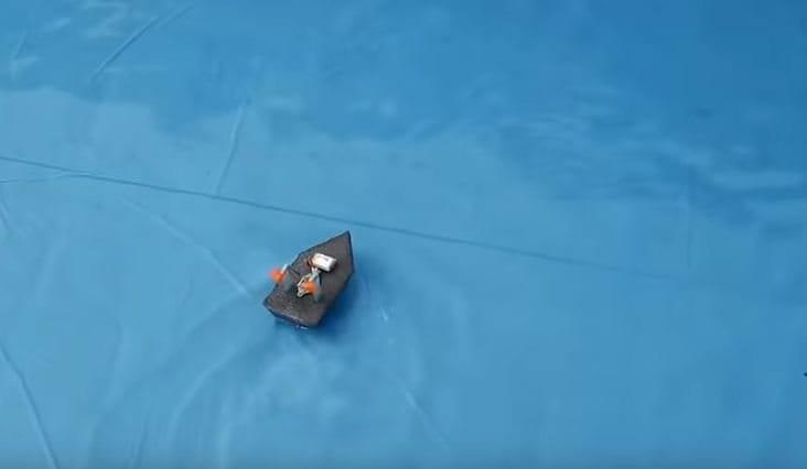 Кораблик на радиоуправлении