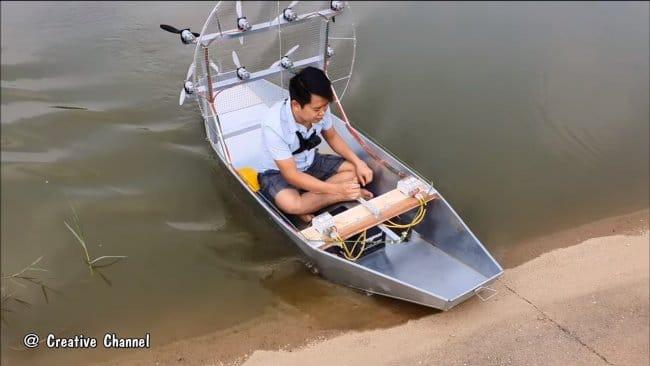 Лодка на воздушной тяге (на двигателях 775)