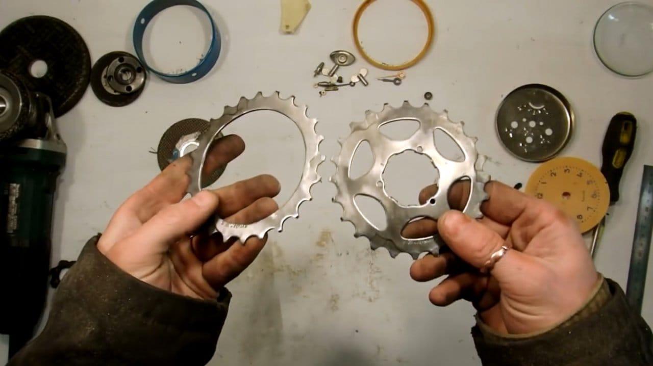 Будильник в стиле дизельпанк из велосипедного хлама