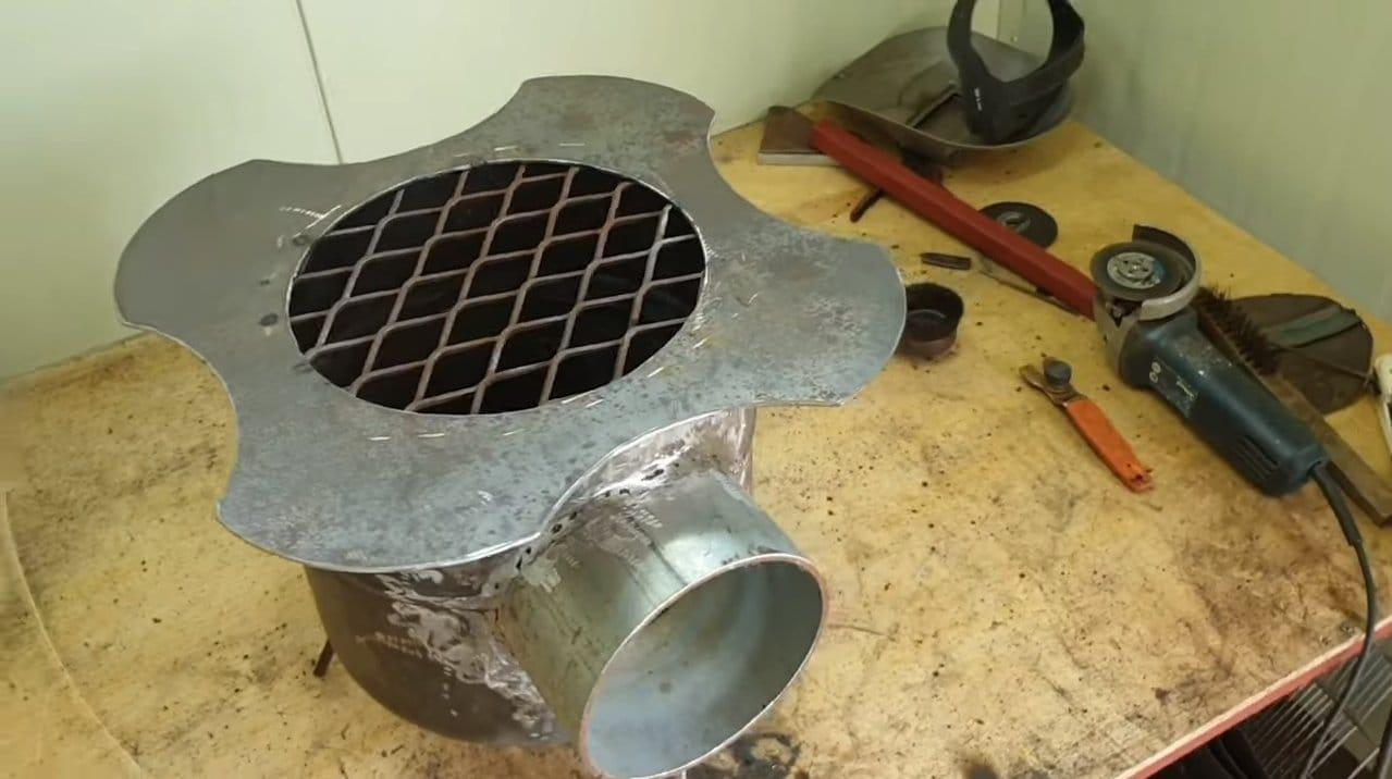 Небольшая печь для автотуризма из баллона