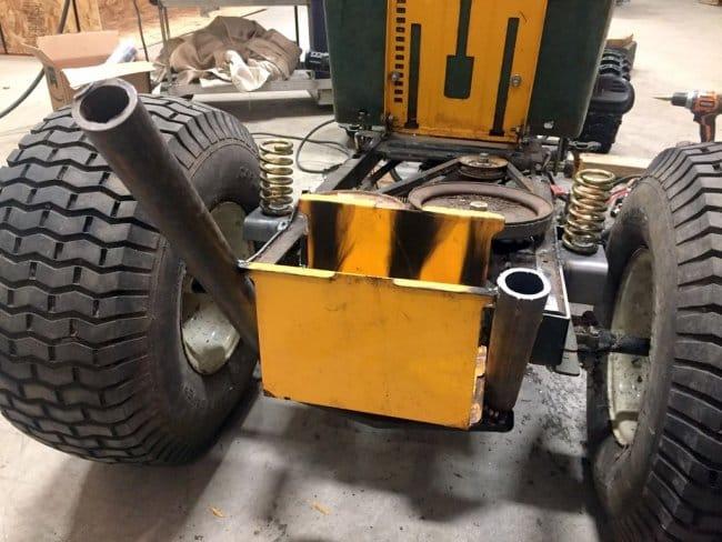 Ремонт и переделка старой газонокосилки в самоходную тележку в стиле Rat Rod