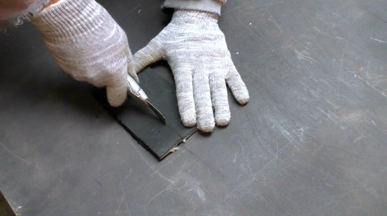 Простое приспособление для переноски кирпичей своими руками