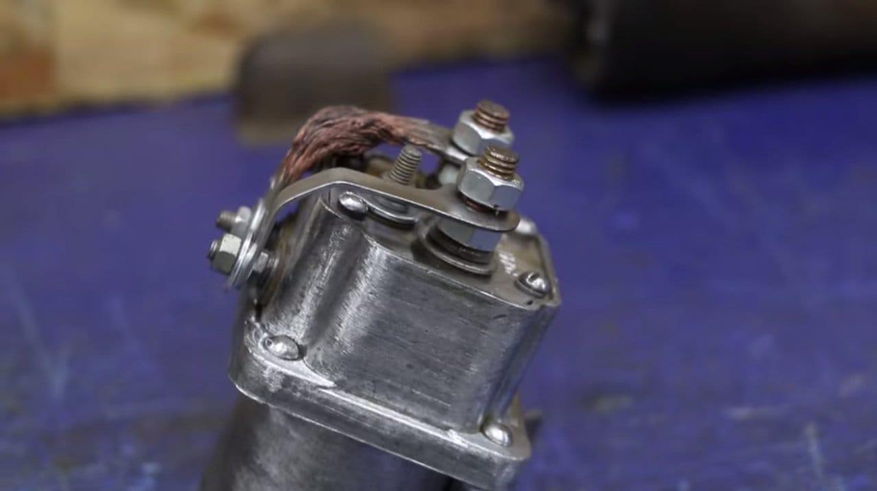 Приспособа для выравнивания кузова авто