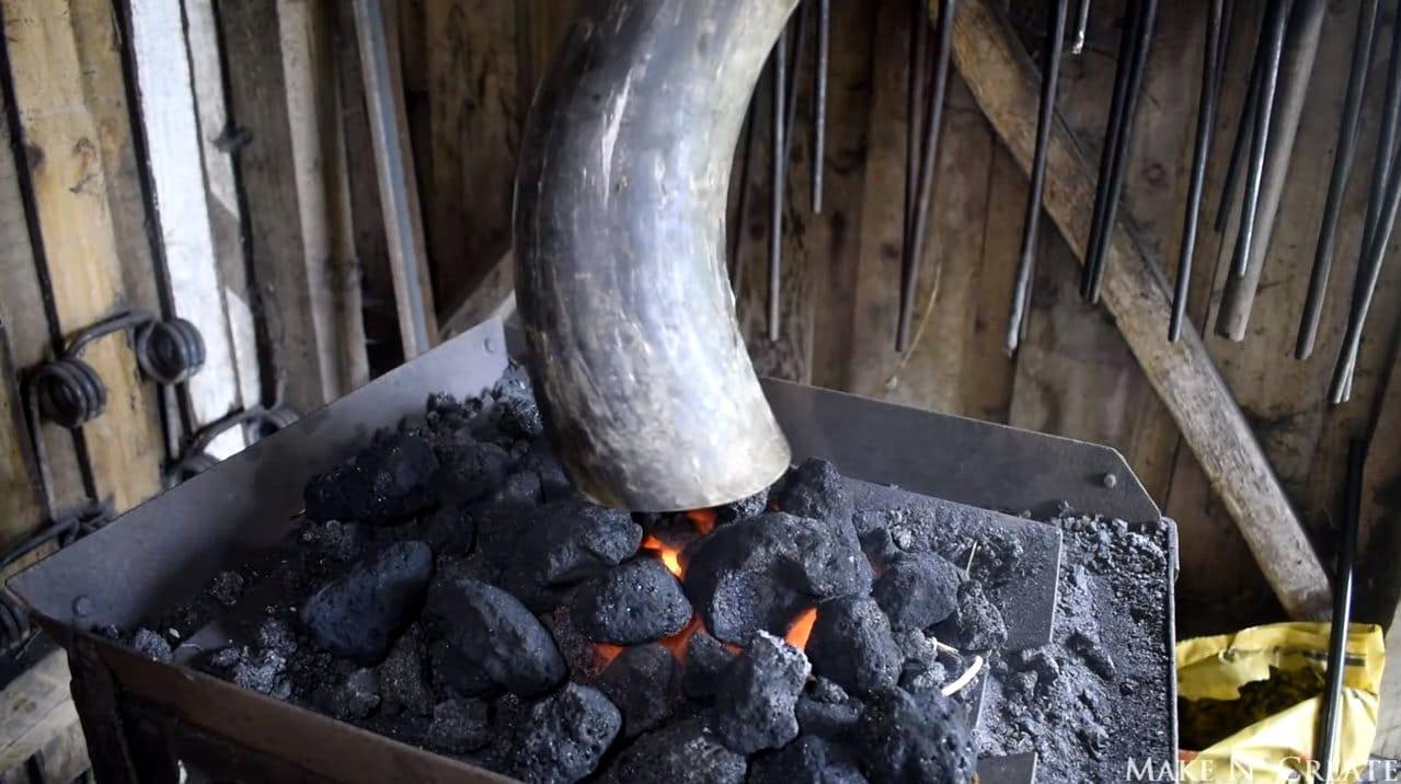 Горн из рога времен викингов
