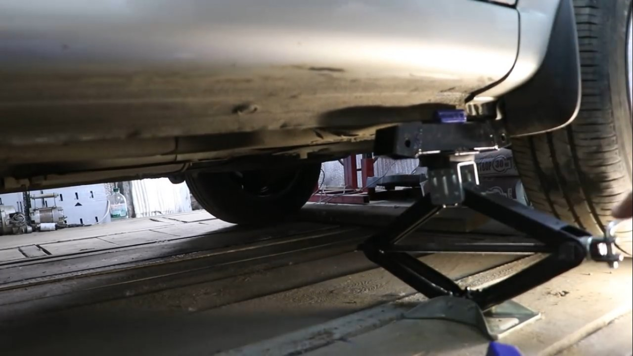 Подставка под автомобиль своими руками
