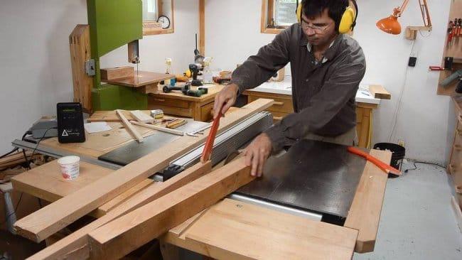 Маленький рабочий стол