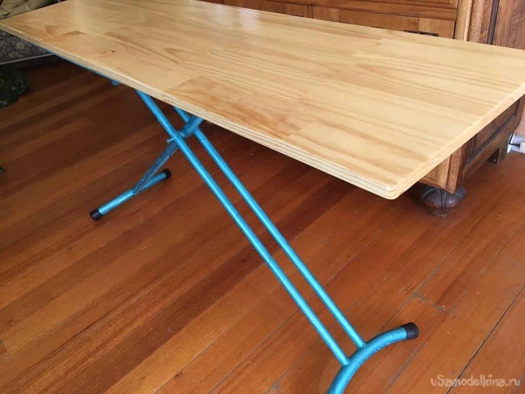 Раскладной стол на базе гладильной доски