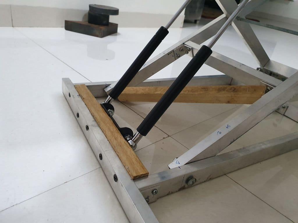 Столик для работы стоя
