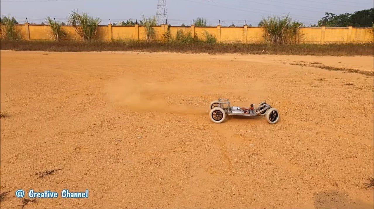 Машинка с моторчиком 775 и дифференциалом