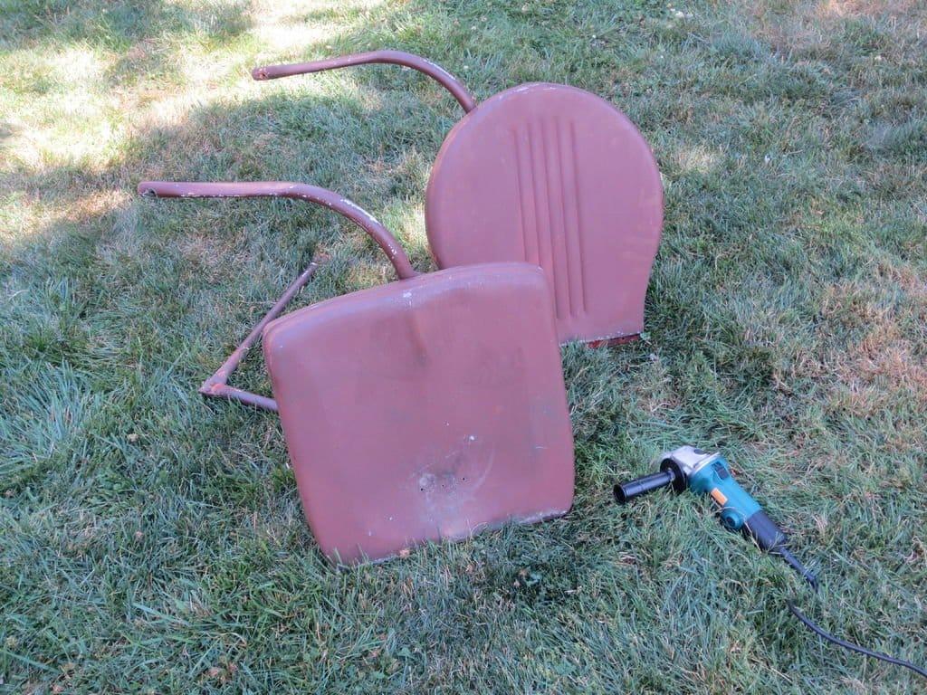 Новая жизнь старого садового стульчика