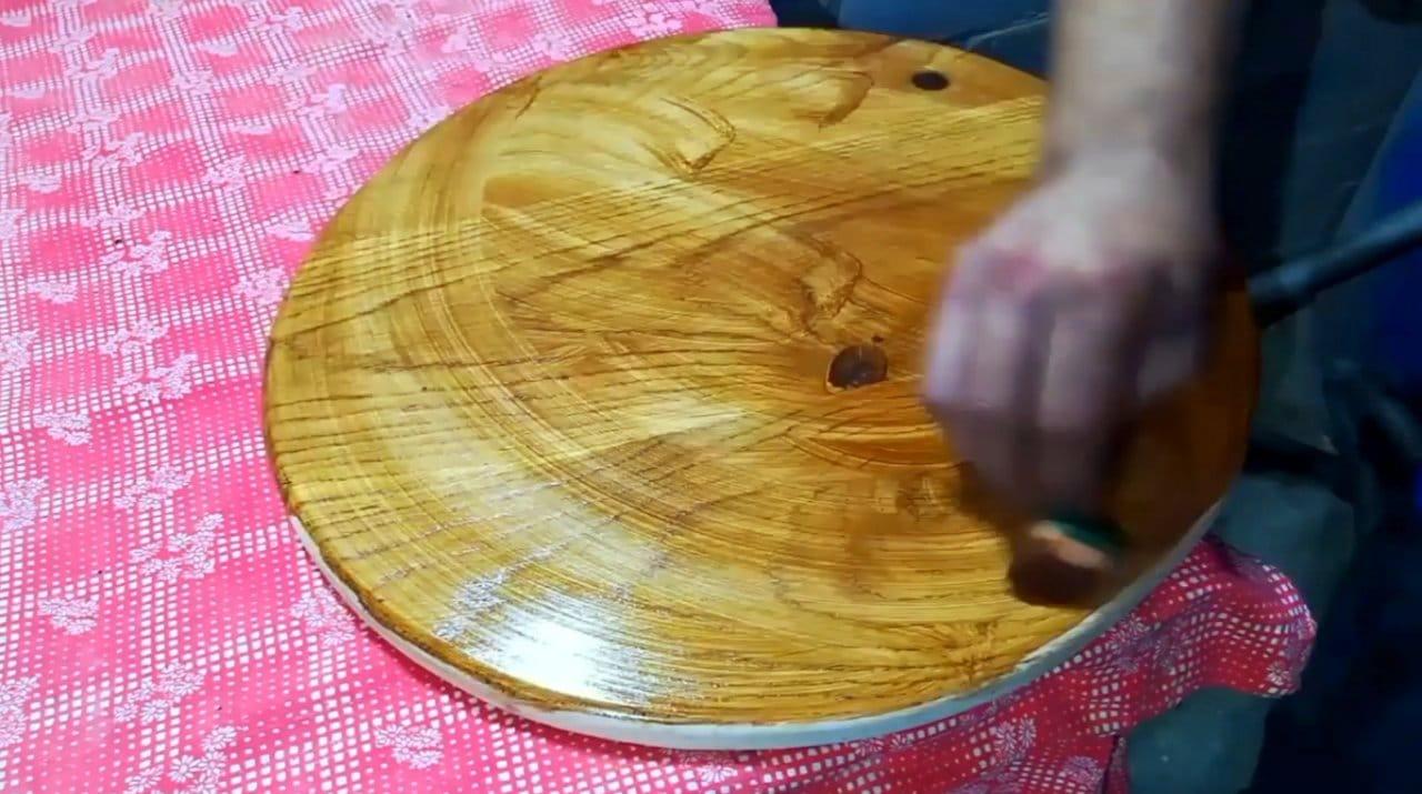 Придиванный столик своими руками