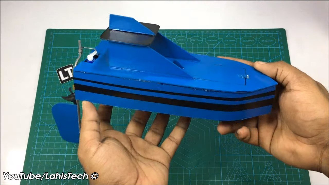 Лодка из ПВХ на пульте управления (180-й моторчик)