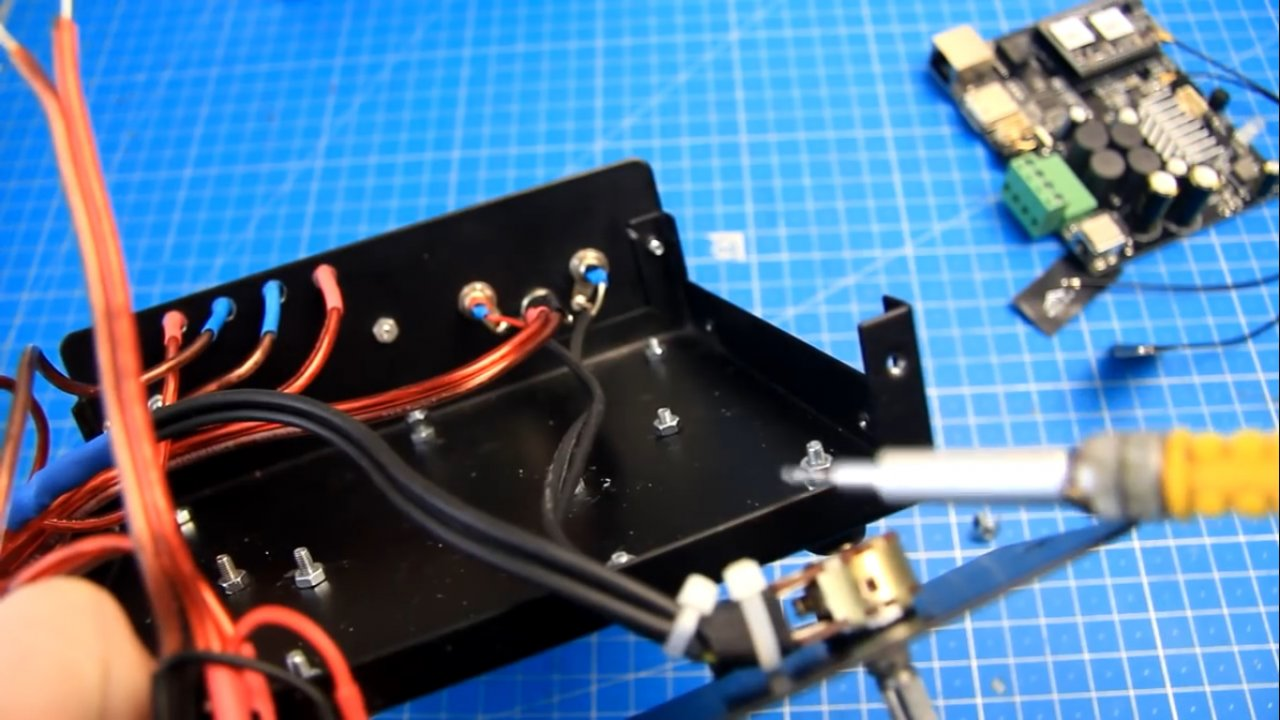 Сетевой усилитель звука на базе Up2Stream Arylic