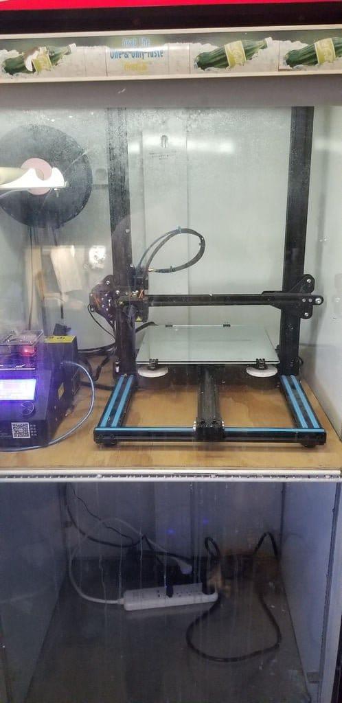 Шкаф для 3D-принтера - из холодильника для напитков