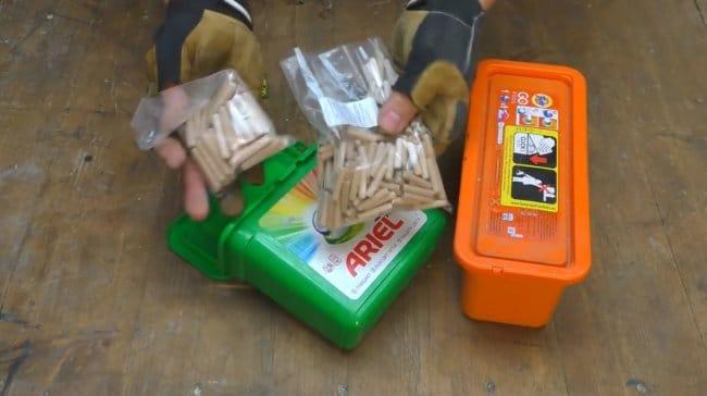 Потолочный органайзер из контейнеров от порошка