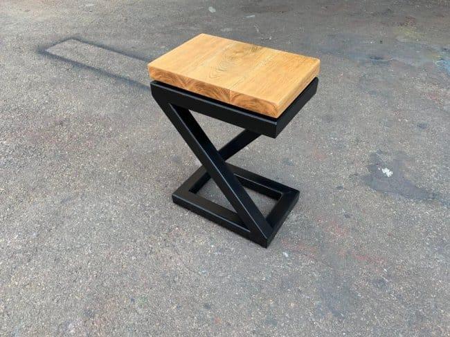 Стул-стол из металлического профиля