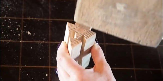 Оригинальный кофейный столик из дерева