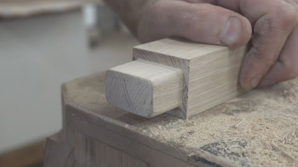 Стул из дуба = технология изгибания древесины