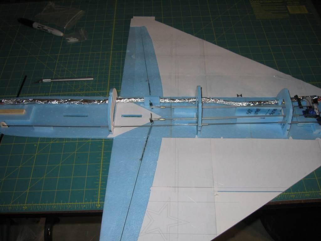 Модель самолёта МиГ-21 из потолочки