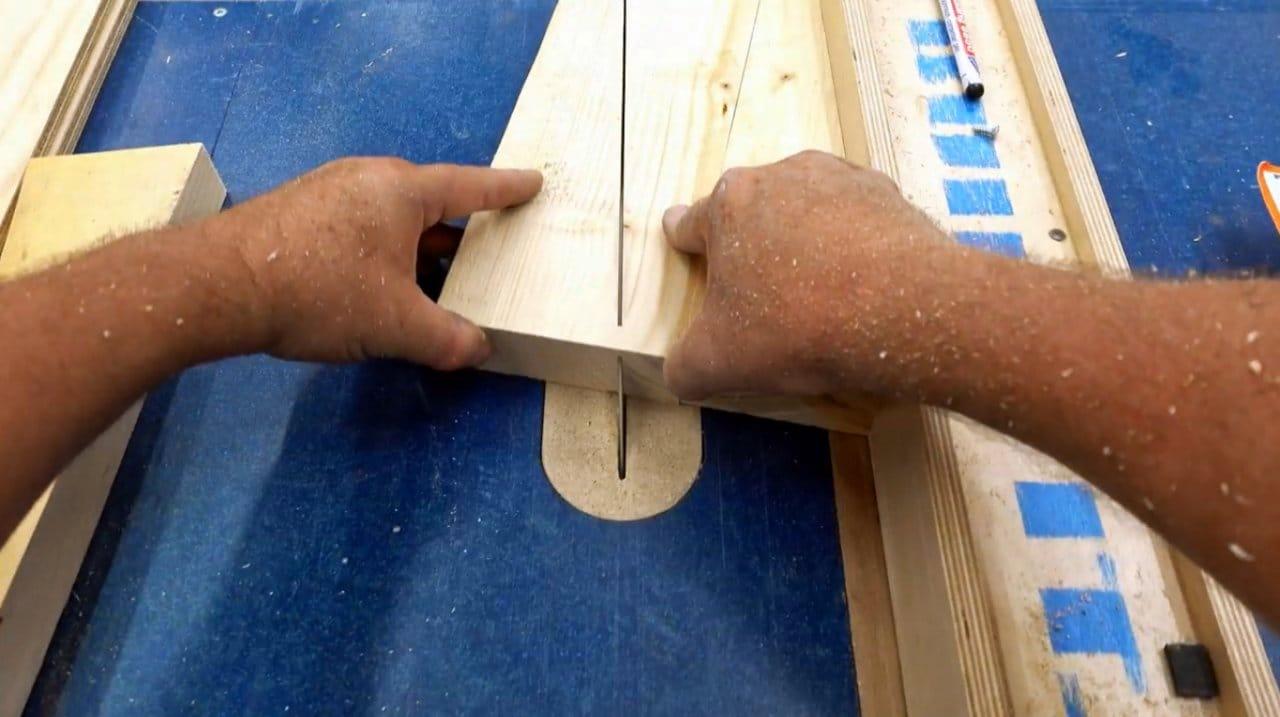 Полки и кронштейны для мастерской или гаража