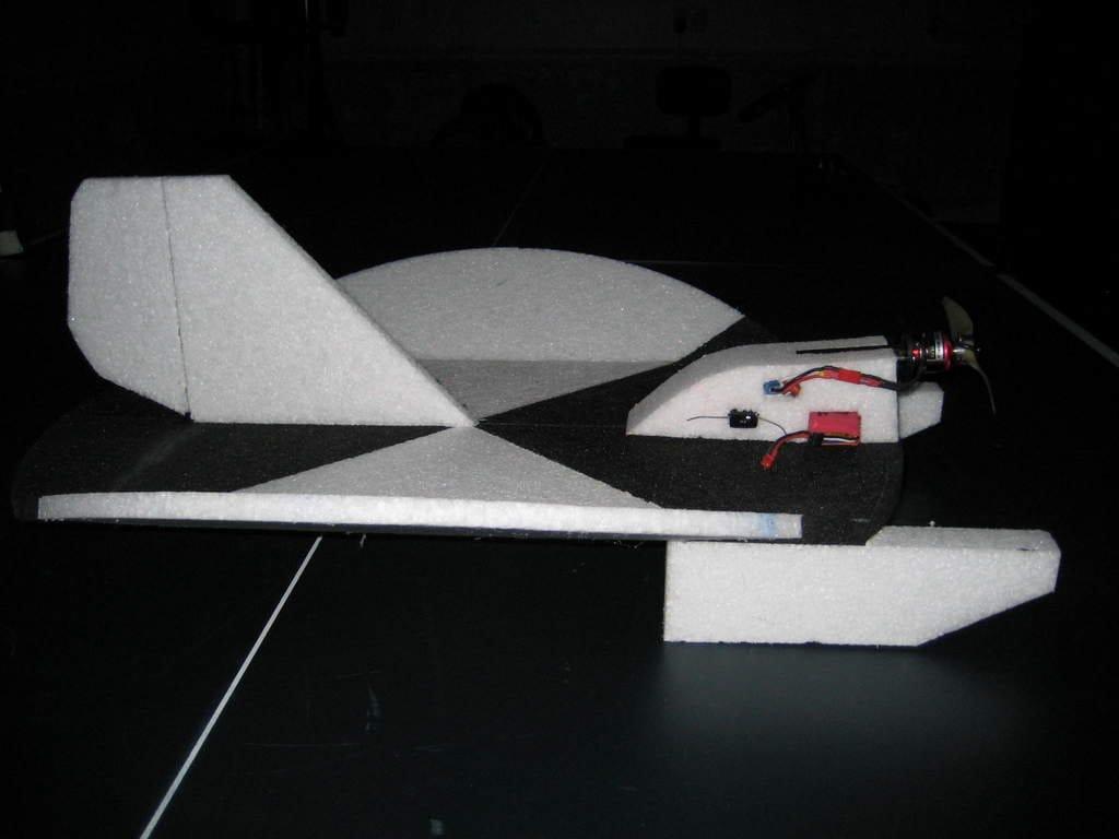 Авиамодель Snowball ATV-EPP-RET-LED - снежный ком, а по нашему – «Снежок»