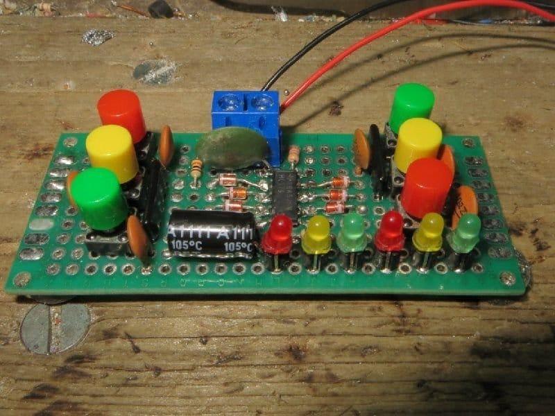 Многостабильный триггер, он же - радиокнопка