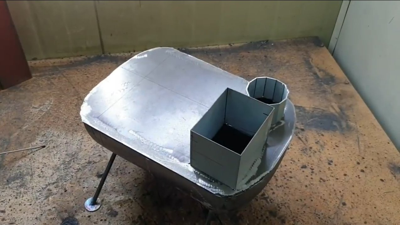 Простая удобная печь для автотуризма или дачи